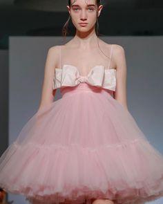 Couture Fashion, Runway Fashion, High Fashion, Fashion Show, Fashion Design, Style Fashion, Daily Fashion, Chanel Couture, Fashion 2020