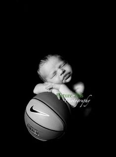 Newborn baby and basketball - will have to do this for our first baby, boy or girl! Change to soccer ball!