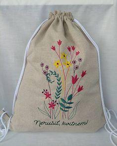Rozkvitnite aj vy s týmto originálnym handmade ruksačikom 🤗 Drawstring Backpack, Safari, Backpacks, Urban, Handmade, Bags, Vintage, Handbags, Hand Made