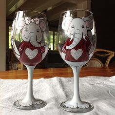 Hand painted Alabama roll tide pair wine by Threetailedfoxstudio