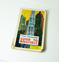 Awesome old travel guide for Brussels with some great black and white photos. Prewar WWII   Published by A. De Boeck Paperback