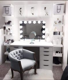 Large DIY Makeup Room Ideas, Organizer, Storage and Decoration ( Room Idea) - Makeup Room Ideas - - Dekoration Ideen - Beauty Room Vanity Room, Vanity In Closet, Closet Desk, Closet Bedroom, Glam Room, Bedroom Decor Glam, Bedroom Furniture, Bedroom Bed, Furniture Design
