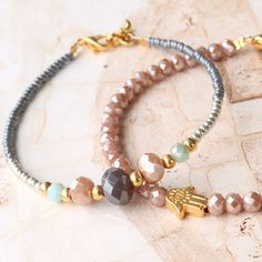 Hndmade Jewelry Colourful bracelets of faceted beads with golden details - Gemstone Bracelets, Handmade Bracelets, Silver Bracelets, Handmade Jewelry, Bridal Jewelry, Beaded Jewelry, Jewelry Necklaces, Jewellery, Cute Friendship Bracelets