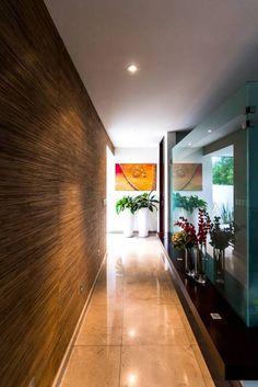 Pasillo 2: Pasillo, hall y escaleras de estilo Moderno por aaestudio