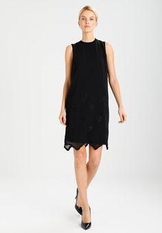 c53a3640a ¡Consigue este tipo de vestido informal de Comma ahora! Haz clic para ver  los