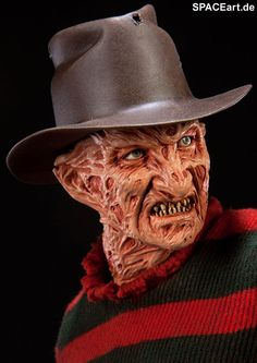 Character: Fred/Freddy Krueger (played by) Robert Englund.   'Nightmare on Elm Street: Freddy Krueger'  - picture is of a Sideshow Model from spaceart.de.