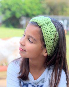 head warmer/ear warmer...... perfect for keeping your little girl warm this winter. #crochet #headband #crochetheadband #giftidea #NecessoriesbyMia #winter #handmade