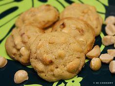 http://hicookery.com/2010/09/04/macadamia-nut-white-chocolate-chip-cookies/  MACADAMIA NUT WHITE CHOCOLATE CHIP COOKIES