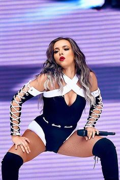 Jade performing at the Capital Summertime Ball 2016 ♥