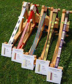 MODERNE MUSTER – Brettchenweben – Kunst und Handwerk Inkle Weaving Patterns, Weaving Textiles, Loom Weaving, Loom Patterns, Finger Weaving, Card Weaving, Basket Weaving, Inkle Loom, Weaving Projects