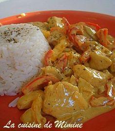 P7190939. Blanc de poulet au curry et lait de coco accompagné de riz