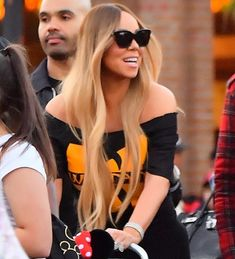 Mariah Carey Pictures, Round Sunglasses, Curly, Celebs, Singer, Poses, Female, Beautiful, Carousel