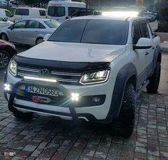 Amarok Jeep Pickup, Pickup Trucks, Vw Amarok V6, Jeep Lights, Toyota Hilux, Top Cars, Performance Cars, Cars And Motorcycles, Offroad