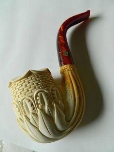 Mano fabuloso tallada espuma de mar sobre tubería Firmado