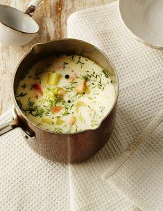 No nyt on nopeaa! Pilko kylmäsavulohi ja upota keittoon. Kalapaloja ei tarvitse edes keittää.