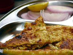 Stuffed keema chapathy/paratha is a perfect recipe to try out during Ramzan. It is tasty, filling and nutritious. So, try out this special stuffed keema chapathy/paratha recipe during Ramzan and give your taste-buds a royal and delightful ride. Veg Recipes Of India, Indian Food Recipes, Indian Foods, Savoury Dishes, Tasty Dishes, Lamb Recipes, Cooking Recipes, Pakistani Dishes, Pakistani Recipes