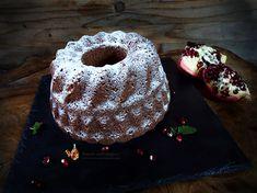 Mini bundt cu ciocolata si fructe uscate (guguluf) | Retetele mele dragi Doughnut, Desserts, Food, Tailgate Desserts, Deserts, Meals, Dessert, Yemek, Eten