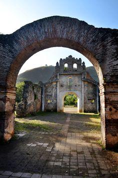 Ruinas Ujarras, Costa Rica by Elvia Sancho on 500px