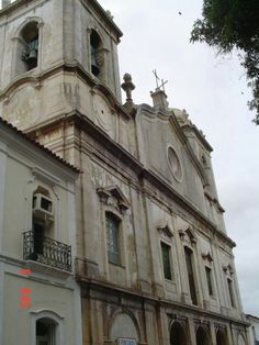 Fachada da igreja do Carmo.