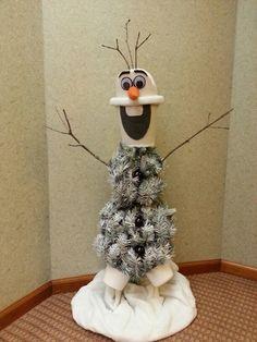 Disney Frozen christmas trees - Google Search | Frozen Christmas ...