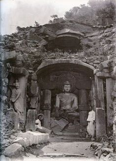 Korean Photo, Korean Art, Old Pictures, Old Photos, Monuments, Contemporary History, The Old Days, Buddhist Art, Historical Pictures