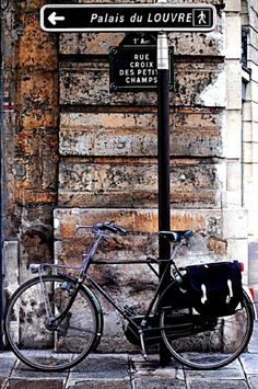 In Paris.  #bicycle #bike #travel #biketravel #traveltips #mytwinplace #homeexchange