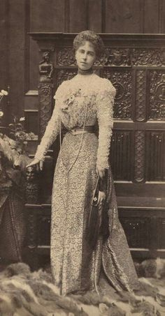 Crown Princess Marie of Romania, 1898 Vintage Photos Women, Vintage Photographs, Vintage Ladies, Reine Victoria, Queen Victoria, Edwardian Fashion, Vintage Fashion, Romanian Royal Family, Photo Memories