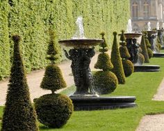 Les Grandes Eaux du Château de Versailles, Allée des Marmousets  © J. de Givry