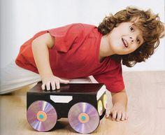 Oi gente! Ideias simples são sempre as melhores ideias... não é verdade? Neste post quero mostrar como podemos transformar CD's usados em...