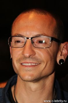 Beautiful Legend Chester Bennington ❤🤘 Your voice will always be home💙🎤🤘 Chester Bennington, Charles Bennington, Chester Rip, Linkin Park Chester, Mike Shinoda, Star Wars, Music Heals, Chris Cornell, Rest In Peace