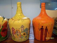 Love the birdhouse one! Bottle Crafts, Bird Houses, Diy Tutorial, Ideas Para, Glass Art, Mosaic, Wordpress, Mandala, Handmade