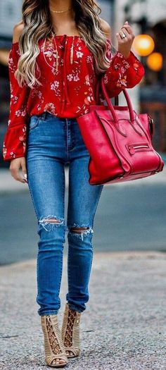 """Red Flower Printed Off The Shoulder Blouse & Ripped Skinny Jean. - outfits , Red Flower Printed Off The Shoulder Blouse & Ripped Skinny Jeans & Red Leather Tote Bag Source by """" , """" Spring Fashion Casual, Look Fashion, Teen Fashion, Fashion Trends, Fashion Ideas, Fashion 2016, Winter Fashion, Womens Fashion, Fashion Clothes"""