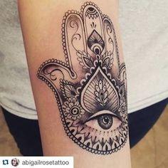 Resultado de imagen para hamsa tattoo forearm