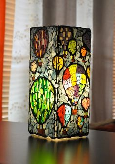 Hot air balloons stained flass mosaic lamp.