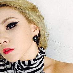 CL wows with her recent bout of sexy selcas | http://www.allkpop.com/article/2014/05/cl-wows-with-her-recent-bout-of-sexy-selcas