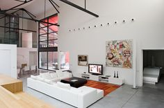"""Located in Bordeaux, France. This loft was designed by Teresa Sapey Studio. Teresa Sapey Estudio """"Situated in a former garage, this loft was fully refurbished Interior Modern, Interior And Exterior, Interior Design, Interior Ideas, Loft Stil, Architecture Résidentielle, Style Loft, Kb Homes, Loft Interiors"""