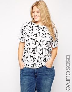 !!! // ASOS CURVE T-Shirt in Holidays Penguin Print