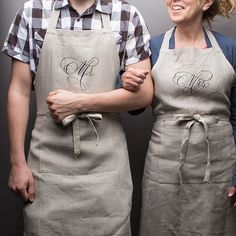 MR. & MRS. APRONS di PressedCotton su Etsy