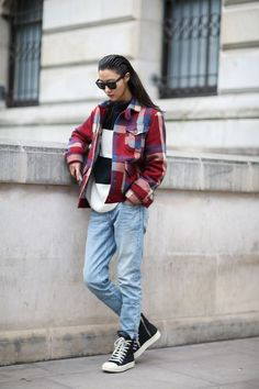 The perfect slouch of these jeans makes the outfit. Indulge in that looser-feeling pair and know they pack more sartorial punch.