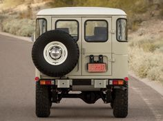 15 Perfectly Rugged Photos Of A 1976 Toyota FJ40 Land Cruiser - Airows