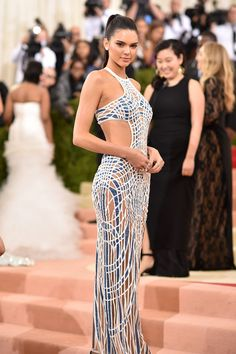 Kendall Jenner Photos - 'Manus x Machina: Fashion In An Age of Technology' Costume Institute Gala - Arrivals - Zimbio