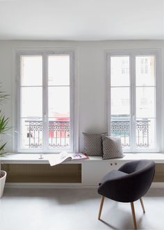 〚 The French charm in the interios by GCG Architectes 〛 ◾ Photos ◾Ideas◾ Design Living Room Modern, Home Living Room, Bedroom Furniture Sets, Home Furniture, Interior Design Living Room, Living Room Designs, Home Radiators, Casa Milano, Interior Windows