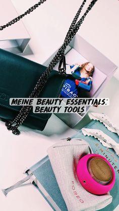 Beauty Essentials, The Beauty Department, Urban Fashion Women, Street Style Women, Lavender, German, Make Up, Shoulder Bag, Handbags
