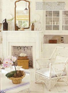 Décor de Provence: Needing a Little Nantucket Style? Nantucket Cottage, Urban Cottage, Nantucket Style, Beach Cottage Style, Beach Cottage Decor, White Cottage, Cottage Chic, Coastal Decor, Seaside Style