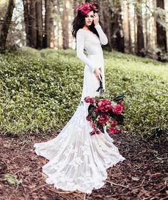 long sleeved wedding dress ,long sleeve wedding dress for autumn / winter