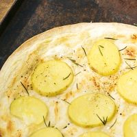 Kartoffelpizza mit Rosmarin