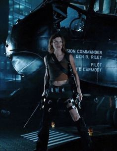 Gif Terror, Milla Jovovich, All Movies, Peaky Blinders, Having A Crush, Zombie Apocalypse, Resident Evil, Guys, Catsuit