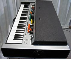 Farfisa VIP345 photo session : retro designed music store organ69