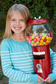 Life with Fingerprints: Valentine's Day, DIY Gumball box