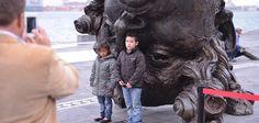 """Duarte de Ochoa reconoció la visión itinerante del artista Javier Marín """"de llevar sus piezas por todo el país y propiciar así encuentros inéditos con el arte, lo cual enriquece nuestra tarea de fomentar la creación artística e intelectual con absoluta libertad para los creadores""""."""